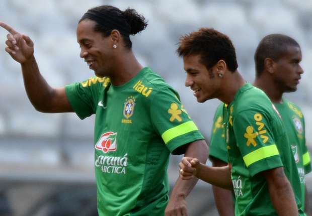 Ronaldinho: Neymar is my Barcelona heir