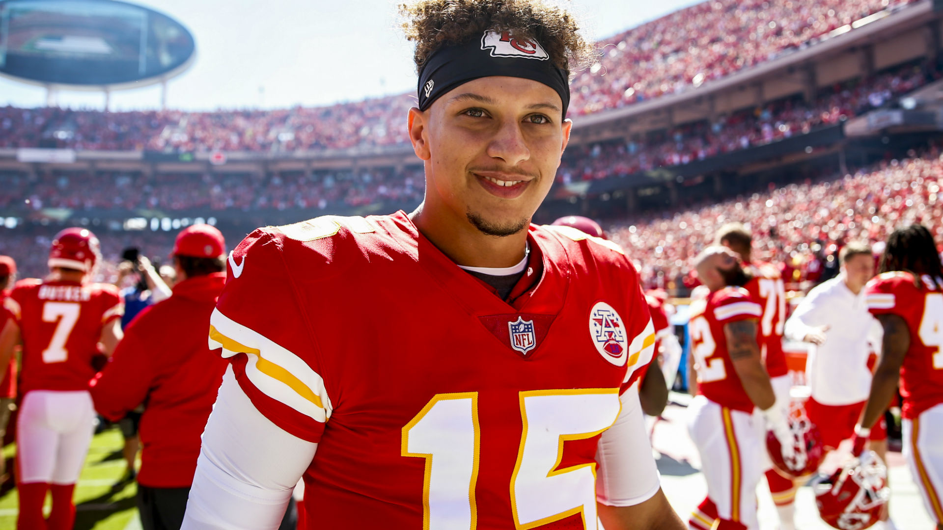 Chiefs' Patrick Mahomes has another record-breaking Sunday ...