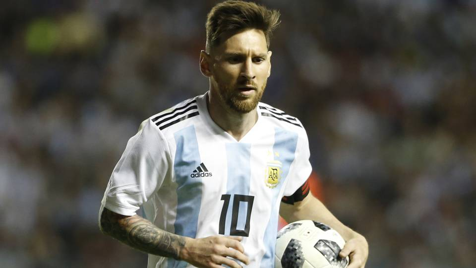 Palestinian FA chief says fans should burn Lionel Messi photos and shirts if he faces Israel
