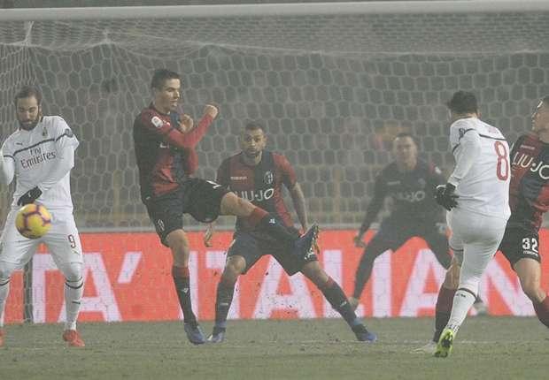 Hakan Calhanoglu shoots for AC Milan