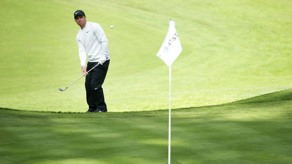 AT&T Pebble Beach Pro-Am: Paul Casey opens up 3-shot lead over Phil Mickelson