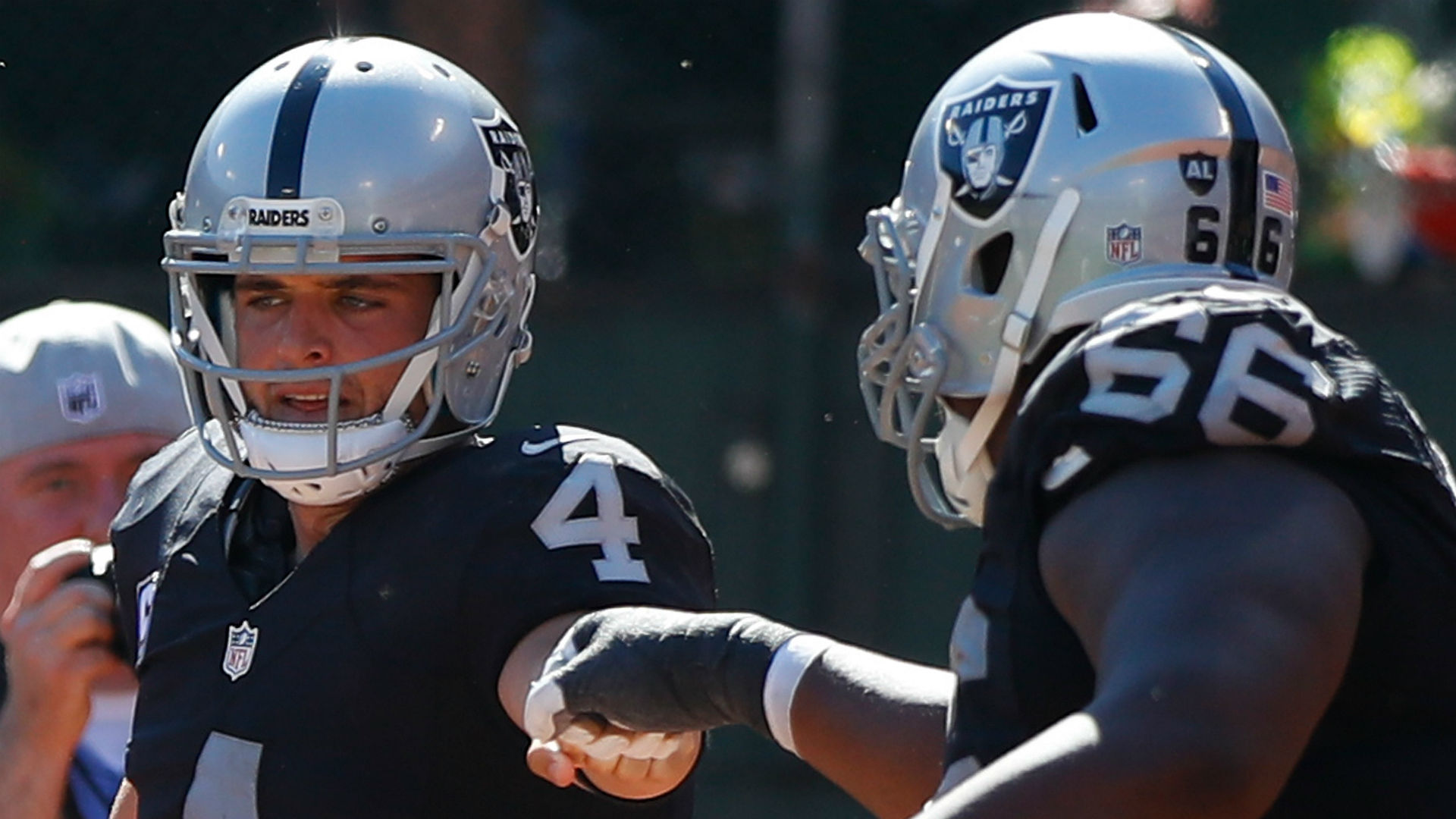 e0a9b29c8 Derek Carr's record deal could have been even bigger | Sporting News