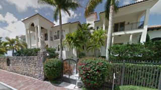 lebron-james-house-082615-getty-ftr-us.jpg