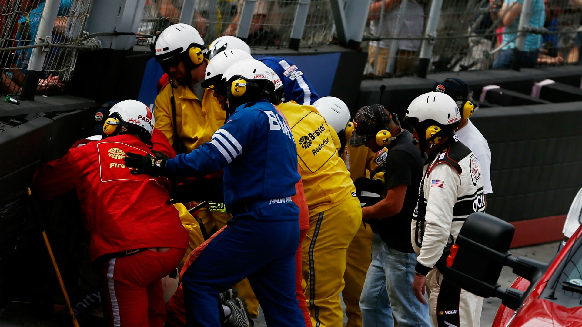 Watch: SAFER barrier fires bring out red flag at Phoenix