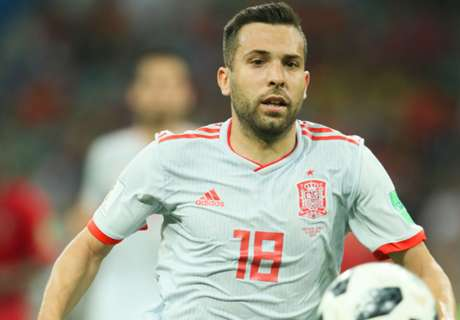 Alba keen to stay at Barcelona despite Spurs rumours