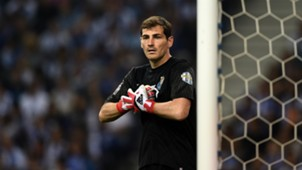 IkerCasillas-cropped