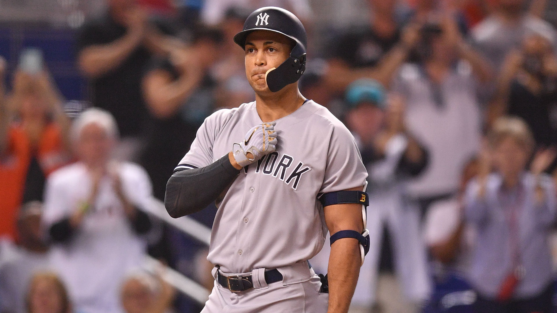 1c4253dc2 Giancarlo Stanton thanks Miami for  special moment  during return