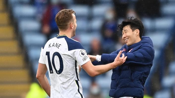 Tottenham team-mates Harry Kane (l) and Son Heung-min
