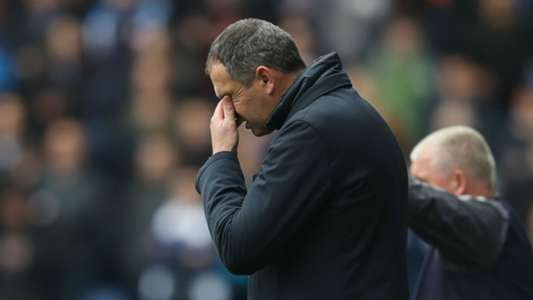 Championship: Former Chelsea coach Paul Clement sacked by Reading