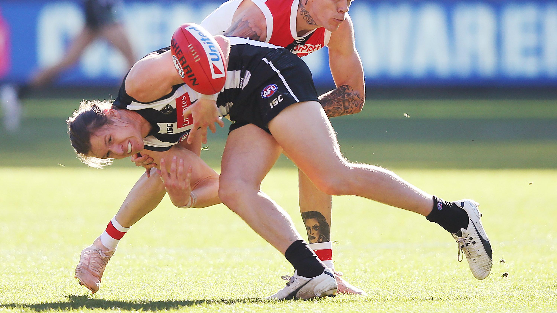 Tom Langdon injury: Collingwood Magpies defender picks up knee injury