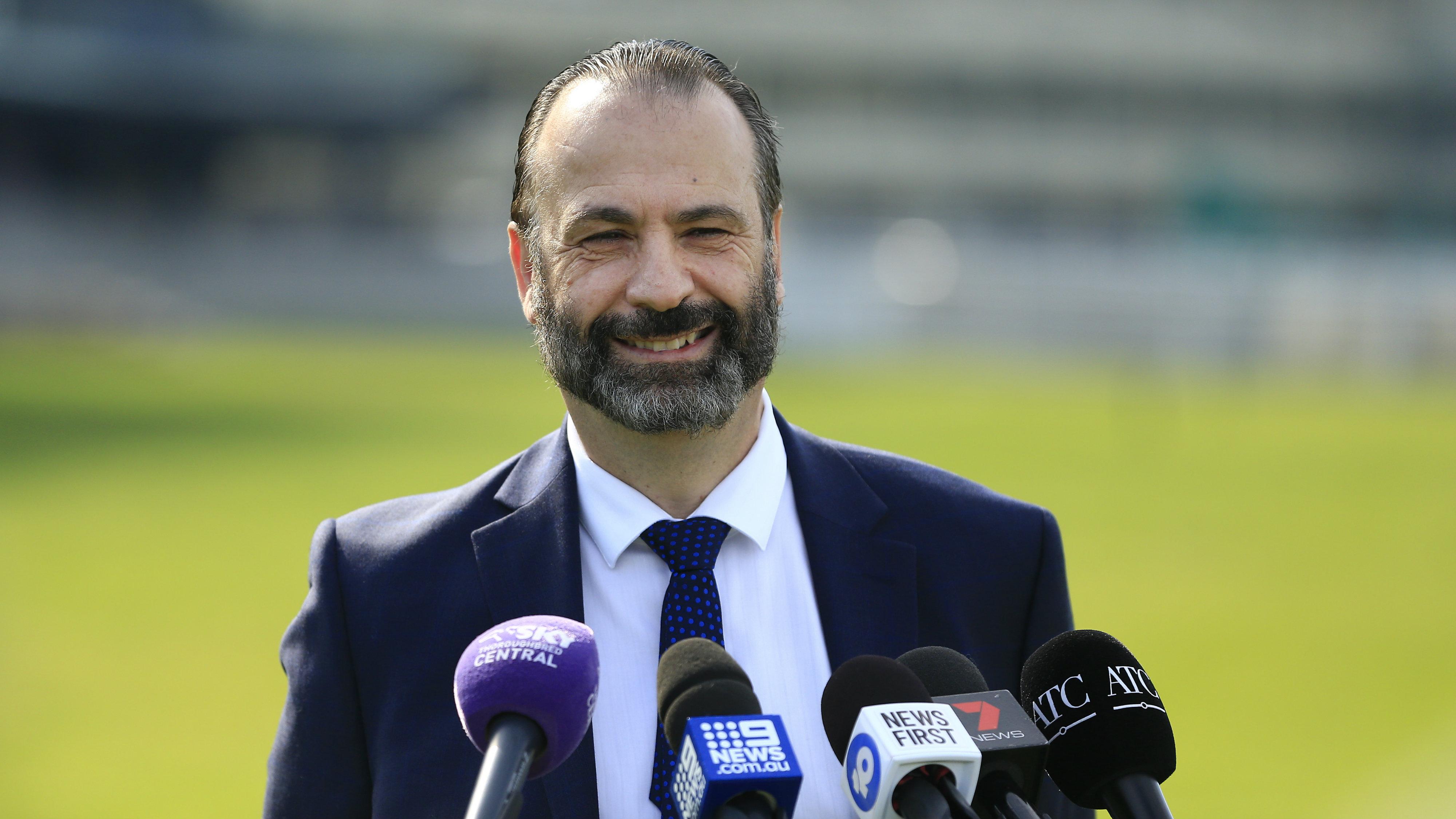 Melbourne Cup: Trainer and racing expert Richard Freedman explains Peter V'landys comments about moving big race