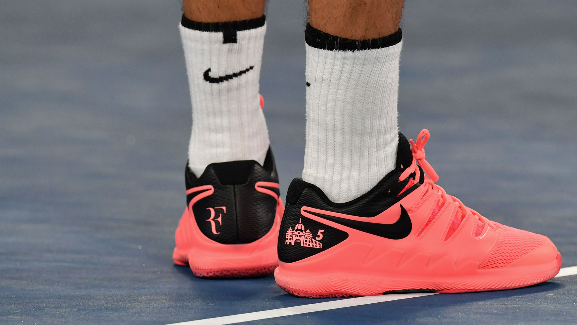 4ea67bccc95512 The image Roger Federer really wanted on his tennis shoes