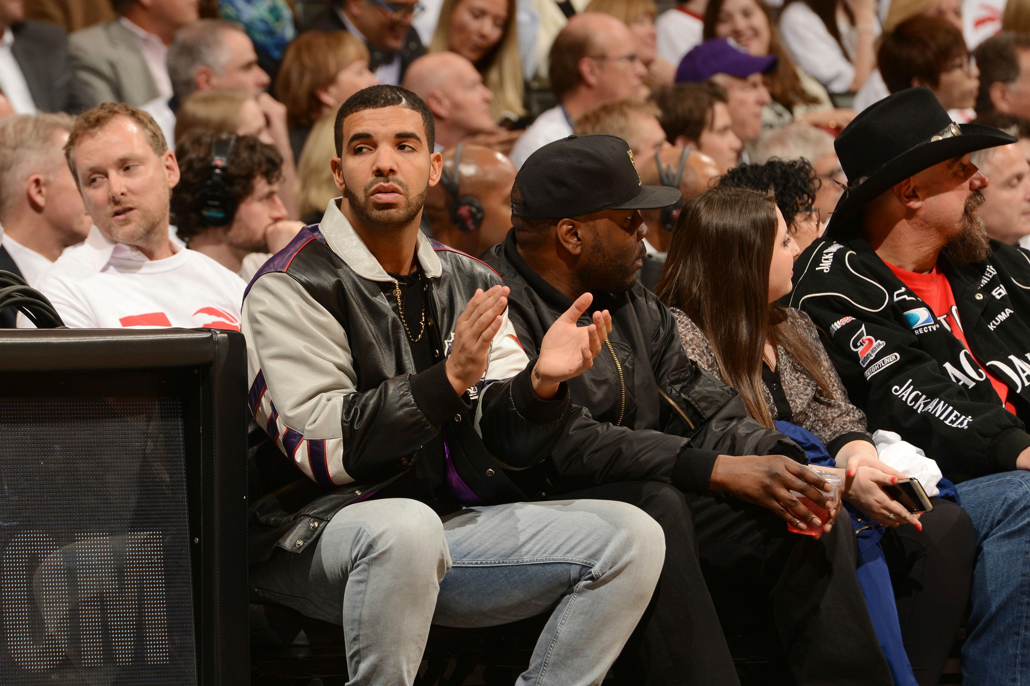 The Many Bags of Celebrity Basketball Fans - purseblog.com