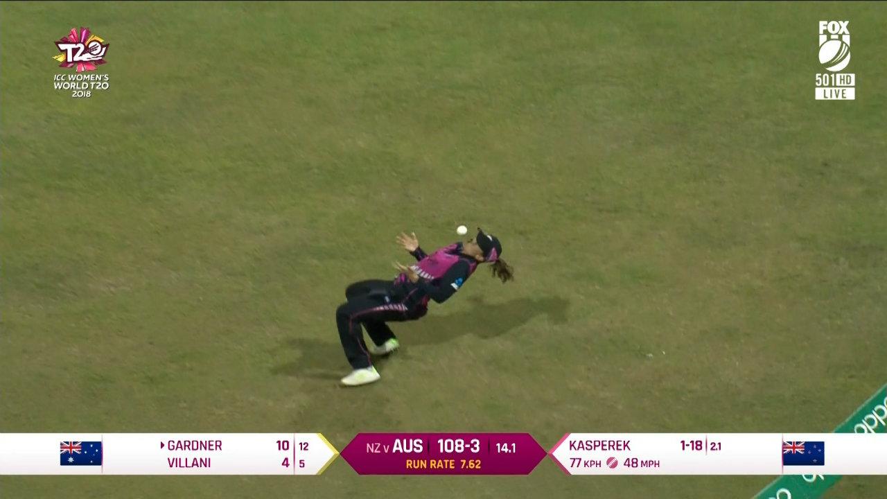 Women's World T20: Suzie Bates' juggling act dismisses Ash Gardner