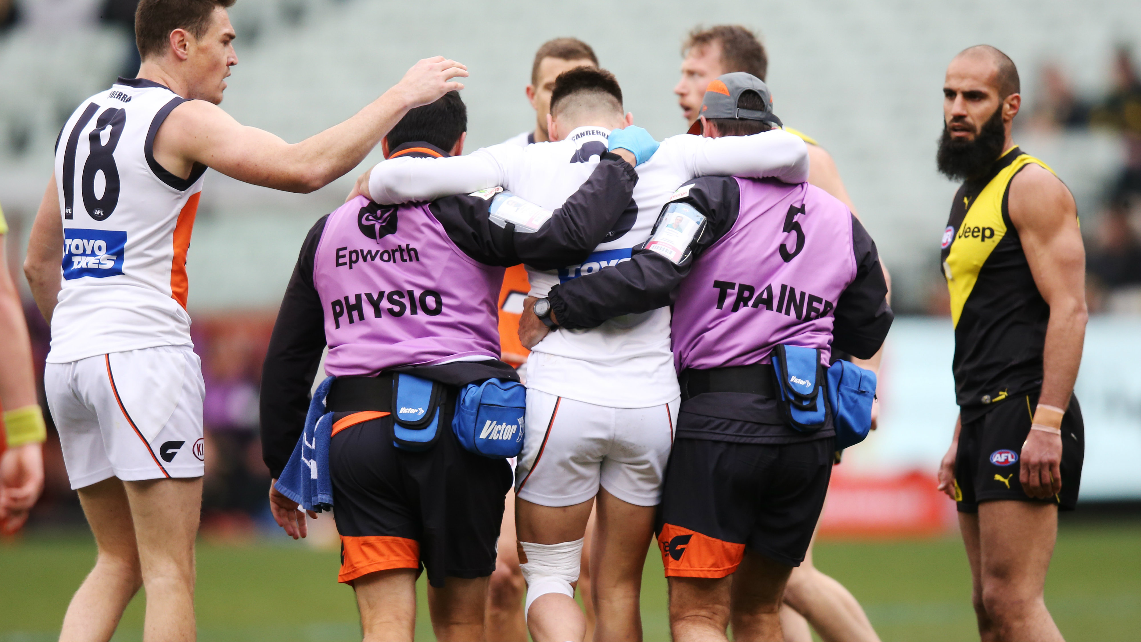 Stephen Coniglio injury: GWS Giants star suffers knee injury