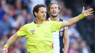 #AFL umpire