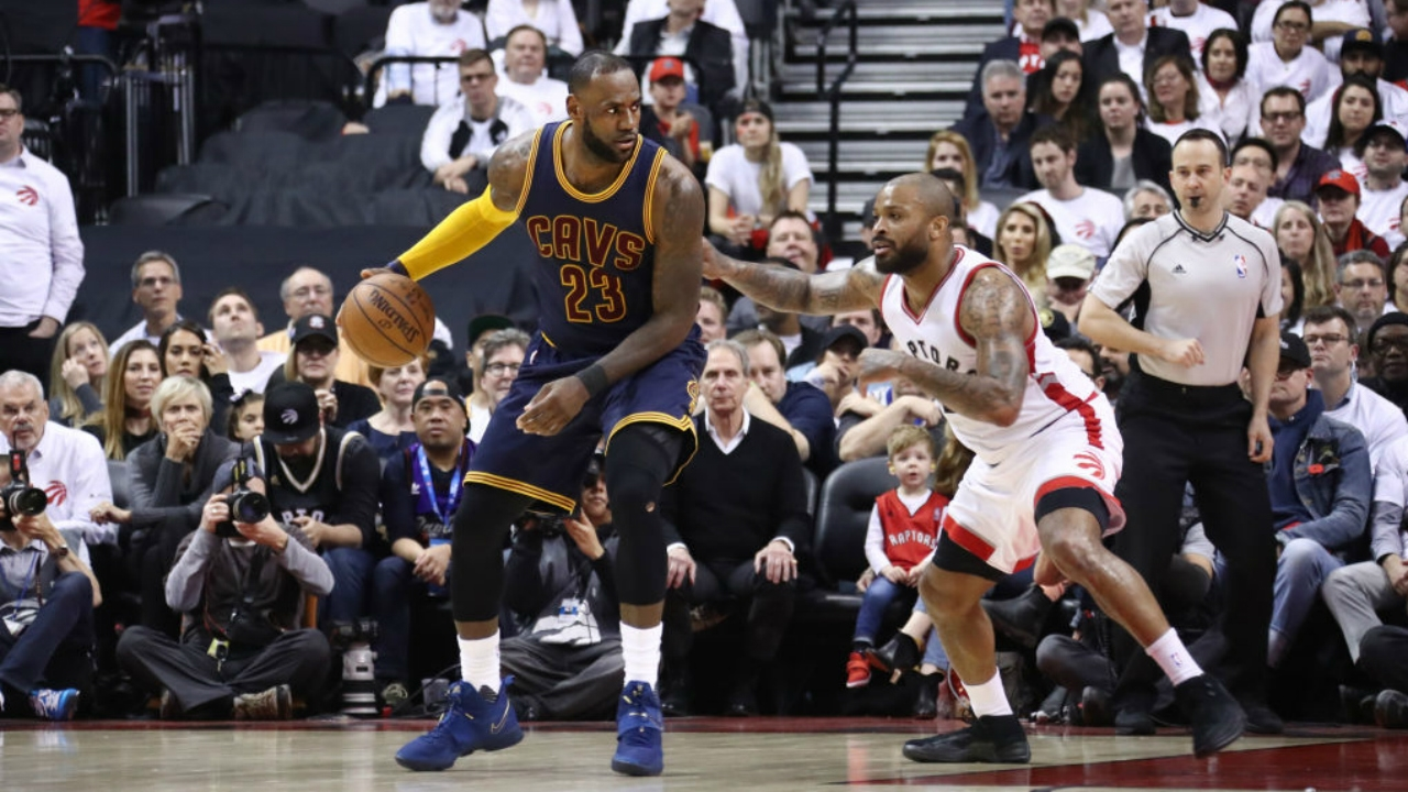LeBron's 35 points pace Cavs in emphatic Game 3 victory in ...