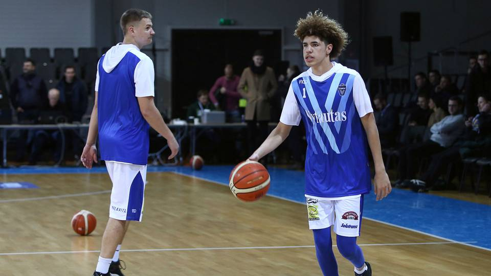 Watch live stream of LaMelo, LiAngelo Ball in Lithuania for third game of Big Baller Brand Challenge