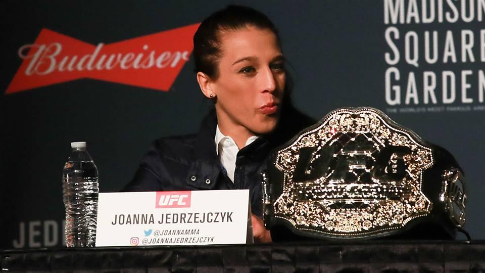 UFC 231: Joanna Jedrzejczyk to fight Valentina Shevchenko for vacant women's flyweight title