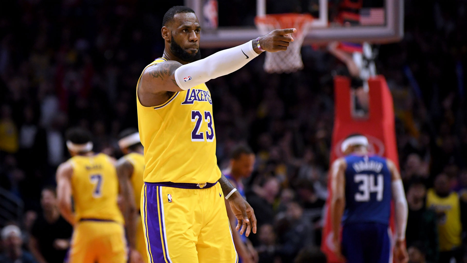 ff3ede394d75 LeBron James  old Cavs leadership approach has completely failed with  Lakers