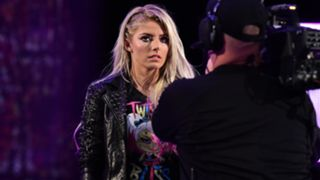 WWE アレクサ・ブリス 『ロウ』逃走劇