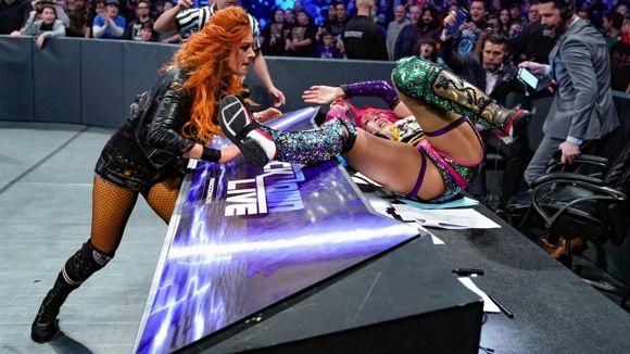 WWE, スマックダウン, #1014, ベッキーとアスカが乱闘に
