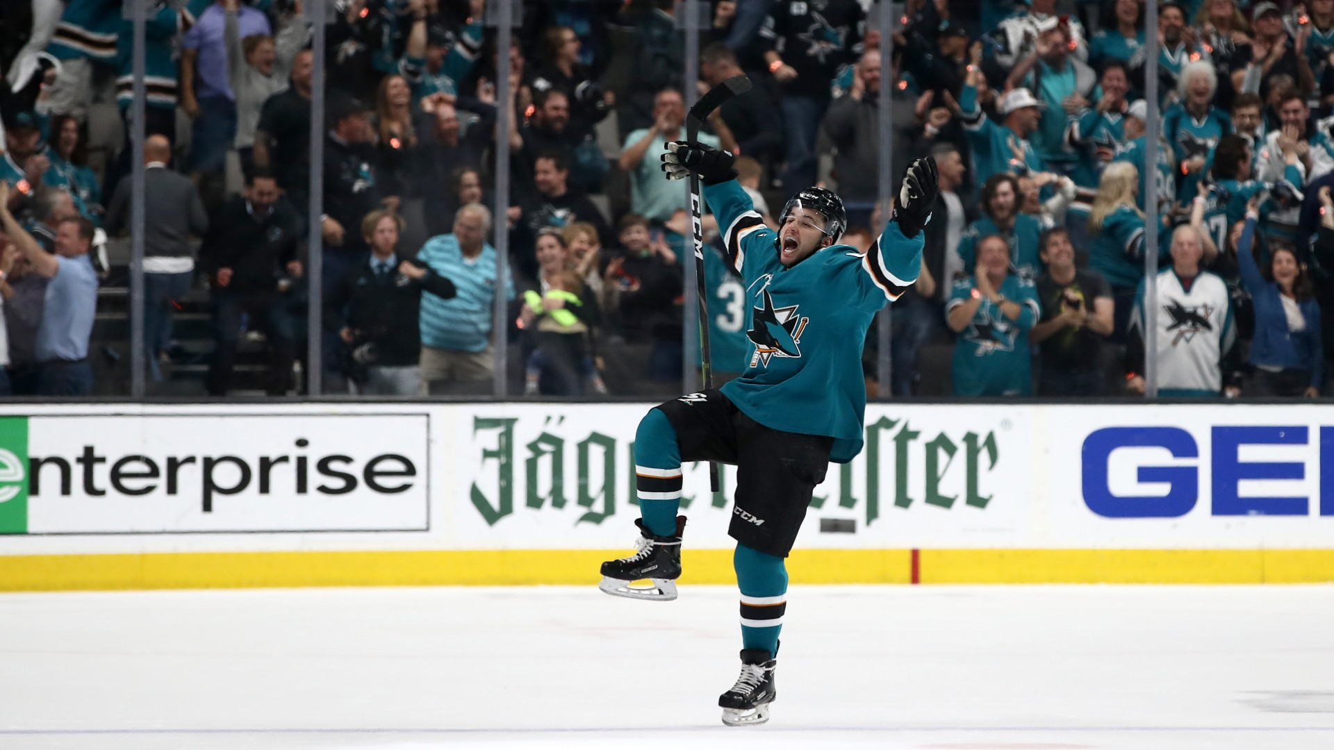 NHL free agency 2019: Sharks hold onto rising forward Kevin Labanc