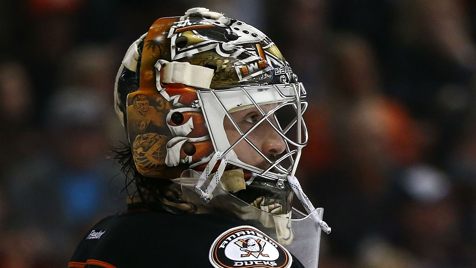 John Gibson dives to make miraculous save against Crosby, Penguins