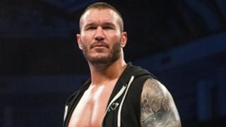WWE ランディ・オートン 手術