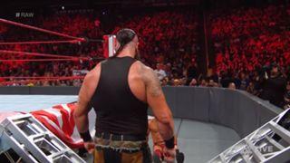WWE ロウ #1306 ストローマン ラダー 破壊