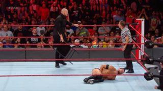 WWE ロウ #1318 フィン・ベイラー バロン・コービン