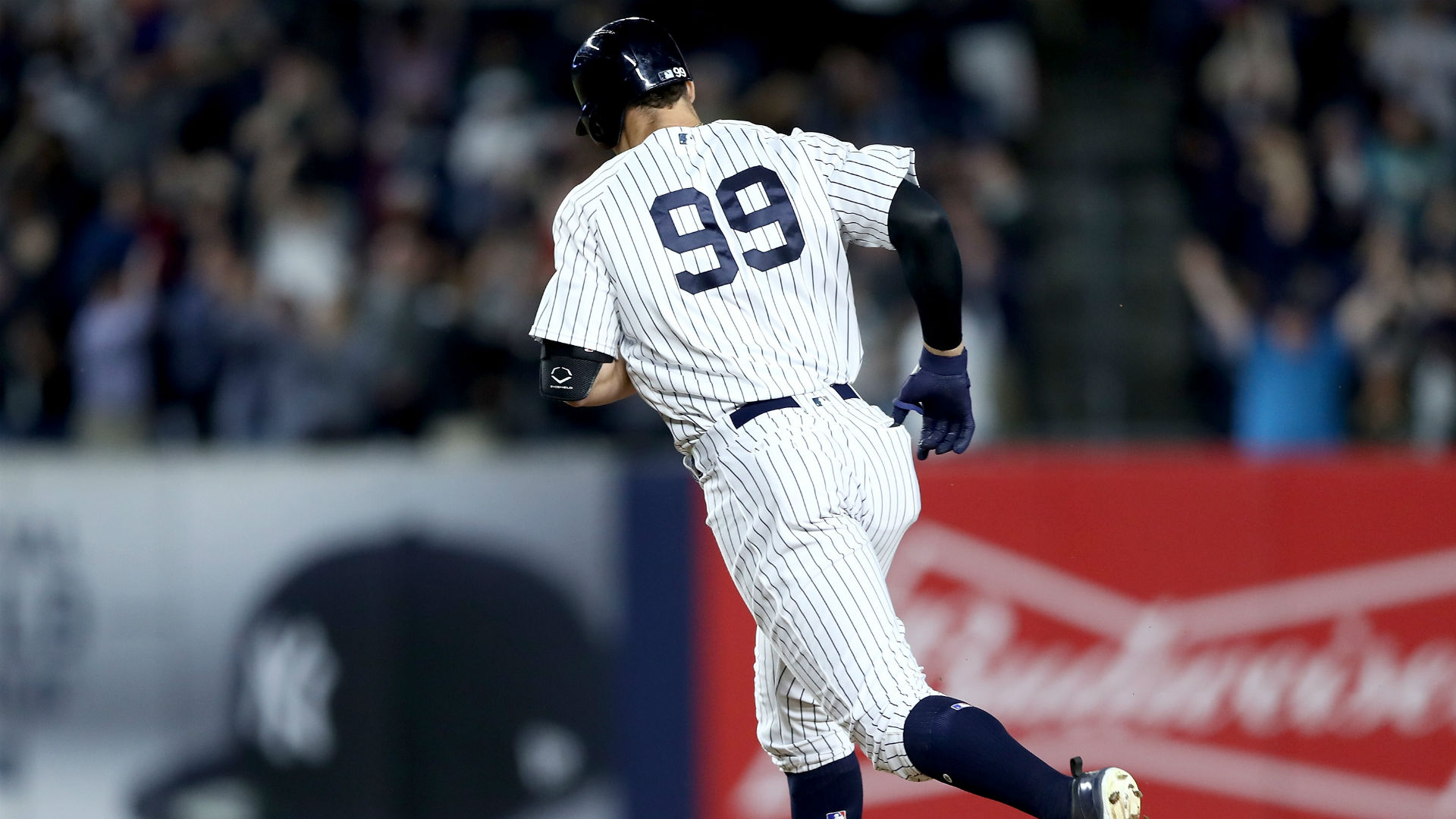 d8d9aa07717 Yankees rookie Aaron Judge s hot start leads to spike in jersey sales
