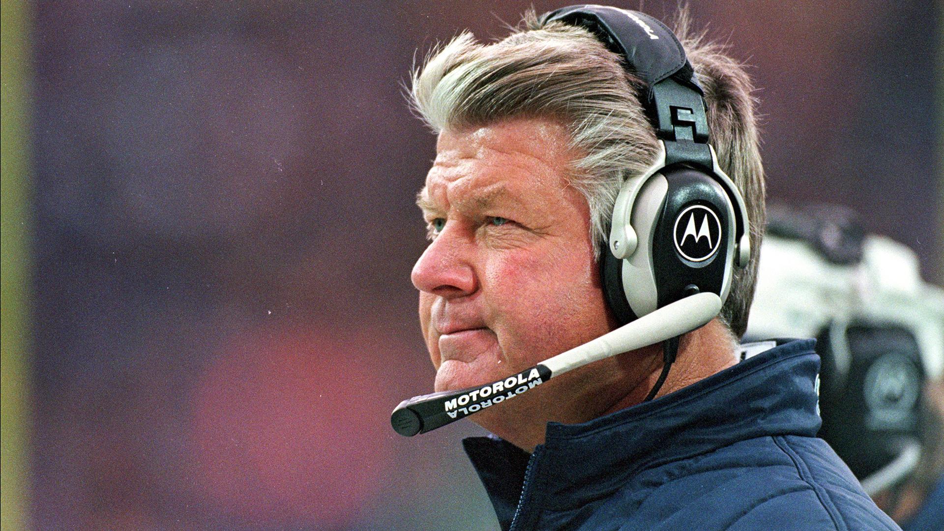 El ex entrenador de los Cowboys, Jimmy Johnson, recibe noticias de inducción al Salón de la Fama en TV en vivo 2