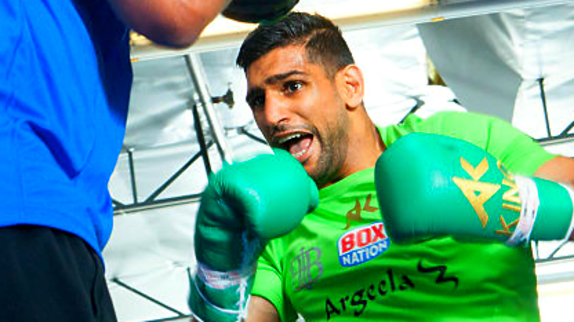 Amir Khan calls for Manny Pacquiao fight after dominating Billy Dib