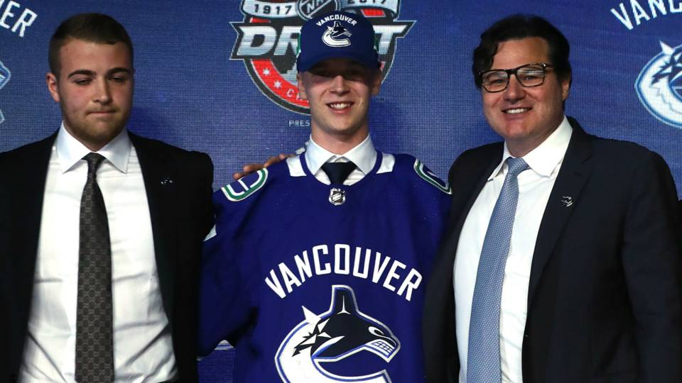 Canucks' talented teen Elias Pettersson scores in NHL debut