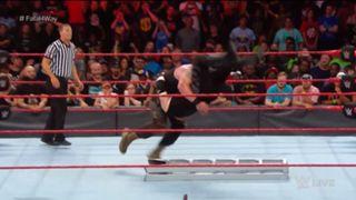 WWE ロウ #1307 マネー・イン・ザ・バンク ブラウン・ストローマン