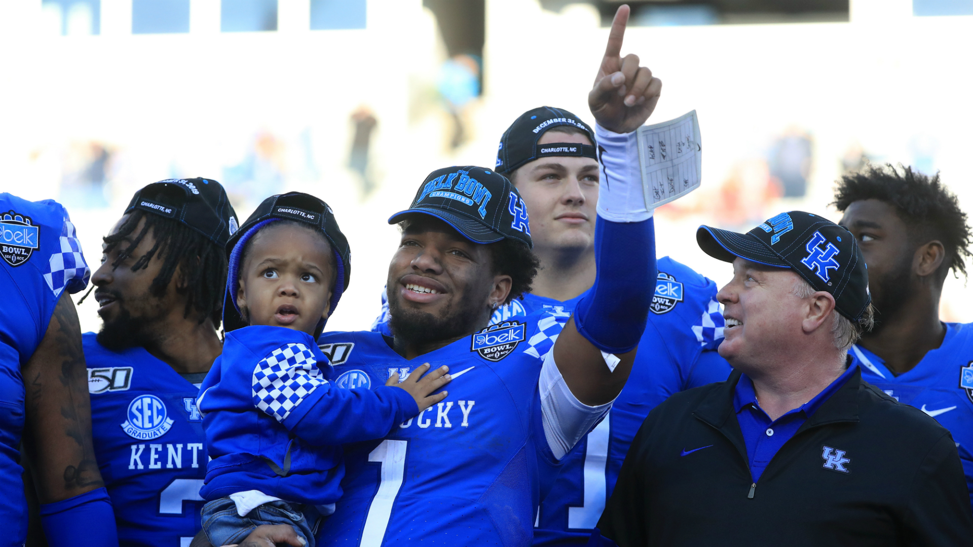 Lynn Bowden cimenta su legado de Kentucky con la excelente actuación de Belk Bowl 2