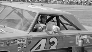 Richard Petty-040216-AP-FTR.jpg