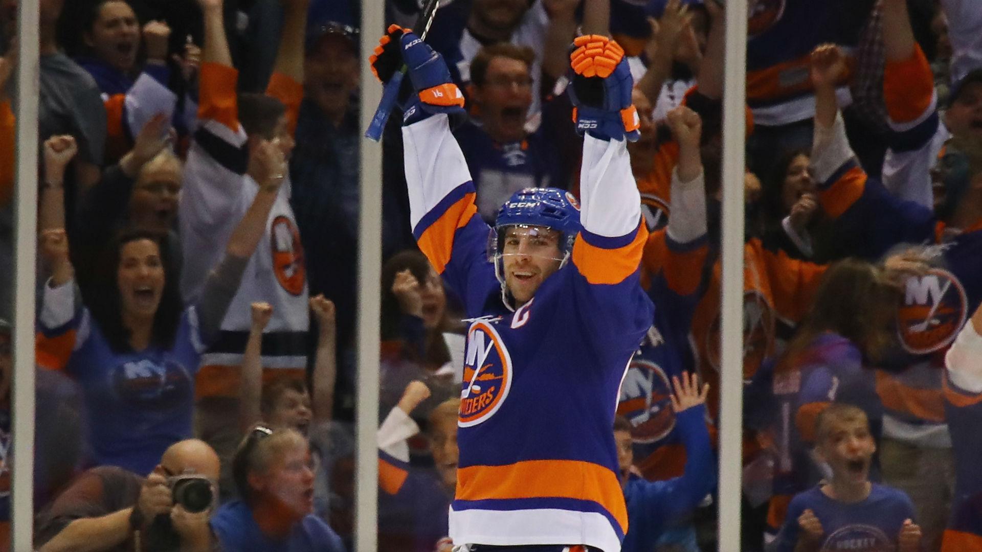 Islanders' Tavares scores natural hat-trick against Predators