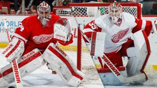 NHL-GOALIE-Jimmy-Howard-Petr-Mrazek-041216-GETTY-FTR.jpg