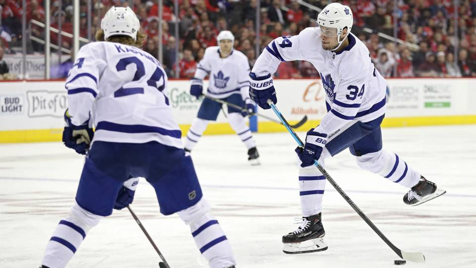 Maple Leafs' Auston Matthews continues torrid start, notches 10th goal