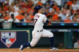 MLB史上初となるプレーオフ初戦での3本塁打を放ったアルテューベ