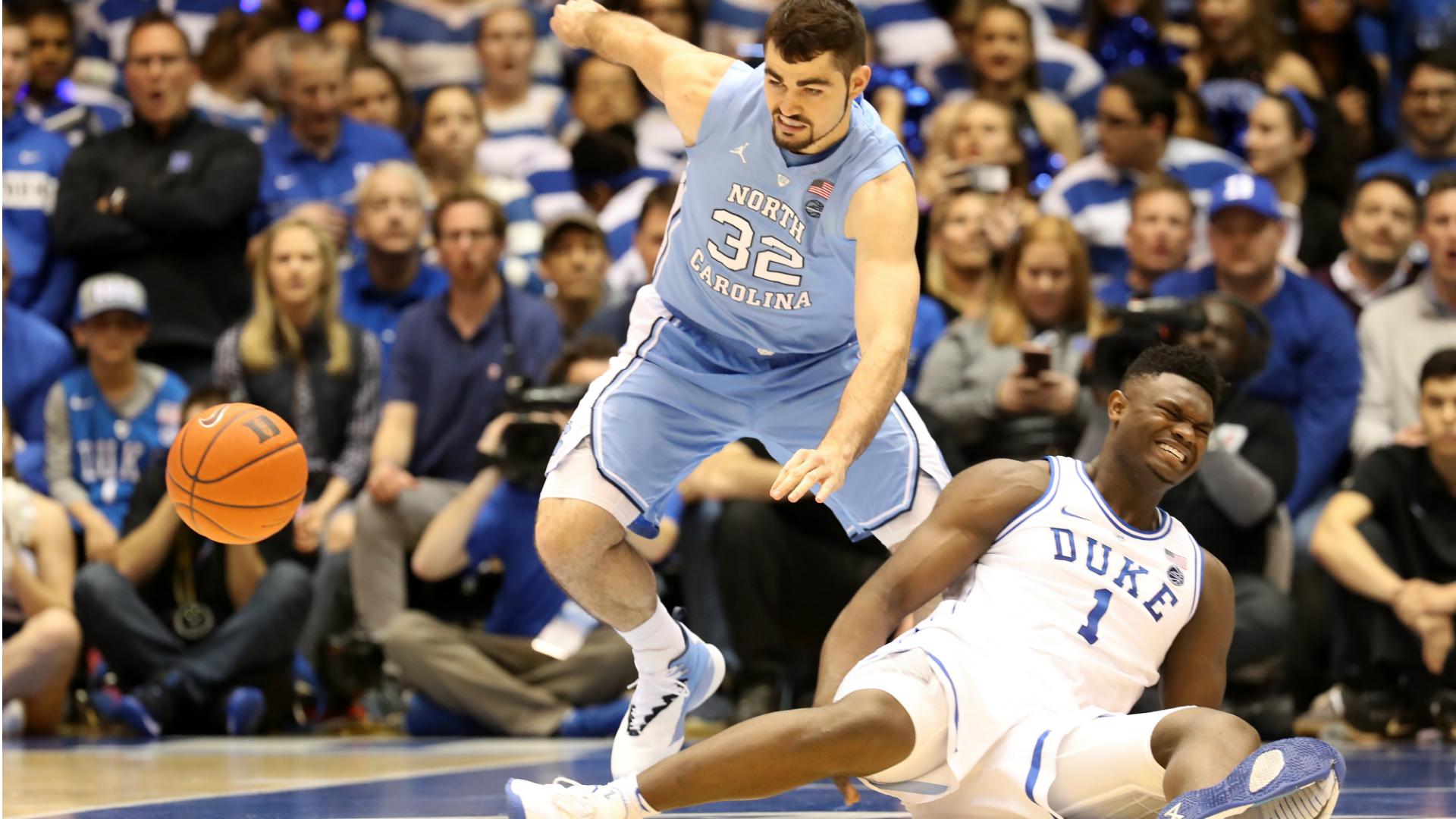 65e0d8c0d Duke results: Zion Williamson suffers injury, Tar Heels rout Blue Devils |  Sporting News