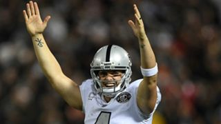 Derek-Carr-101917-Getty-FTR.jpg