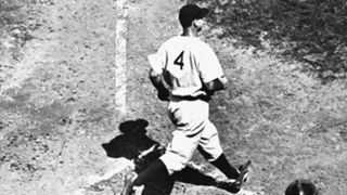 MLB-UNIFORMS-Lou Gehrig-011316-AP-SLIDE.jpg