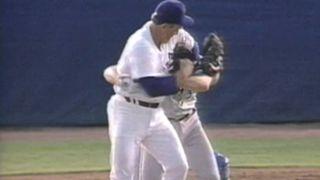 NolanRyan-RobinVentura-MLB-FTR-052916.jpg