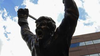 Bobby-Orr-statue-082117-Getty-FTR.jpg