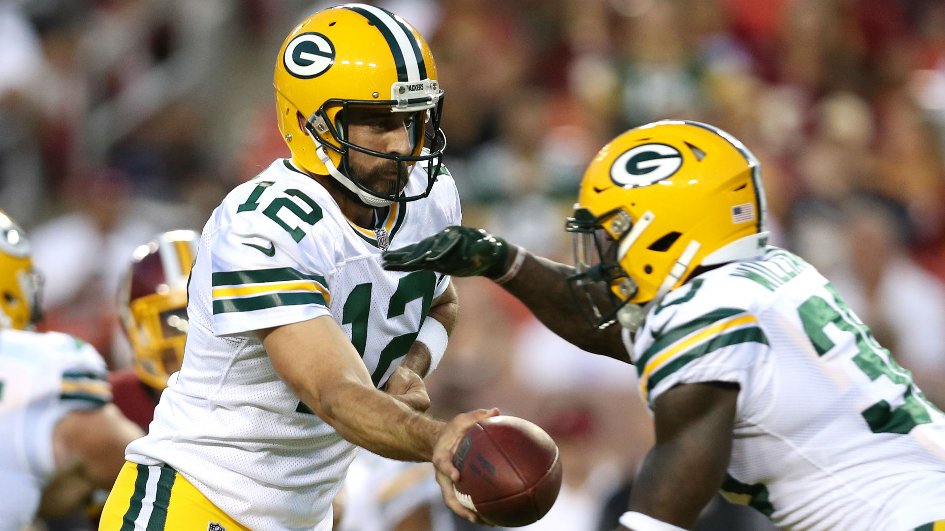 Aaron Rodgers returns to better version of Packers' offense