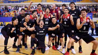 ワールドカップ出場を決め、喜ぶバスケットボール日本代表の選手たち