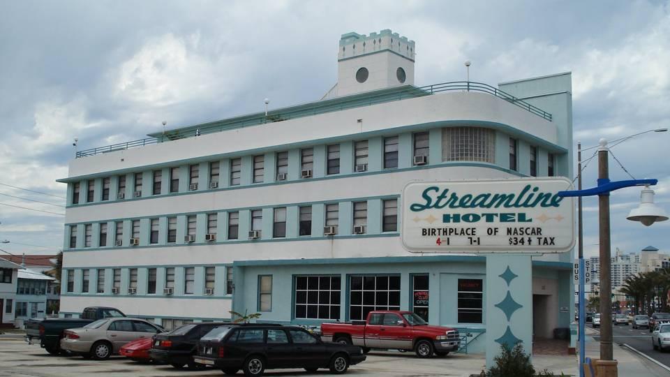 Streamline Hotel 041714 Ap Ftr Jpg